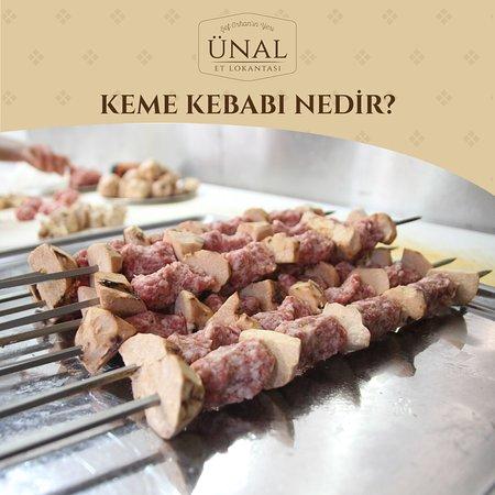 Keme Kebabı;  Gaziantep'in en sevilen lezzetlerinden bir tanesi olan Keme Kebabı, Şubat ayının sonlarına doğru yapılmaya başlanan ve yaklaşık olarak 1 - 1,5 ay kadar yapılmaya devam eden, Gaziantep'in yöresel lezzetlerinden bir tanesidir. Bir nevi truffle mantarı gibi olan keme, Gaziantep'in en lezzetli etleriyle birleşince unutulmaz bir damak tadı oluşturuyor.  Keme Kebabı'nın en lezzetli halini denemek ister misiniz?😋 . . .  Sipariş ve Rezervasyon İçin; 0 (342) 337 10 84 . . . .  #ünaletlokan
