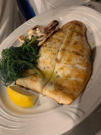 Φρέσκο ψάρι-όμορφη ατμόσφαιρα !!!