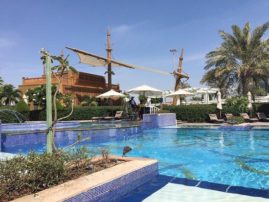 Best Pool Bar & Grill in Abu Dhabi