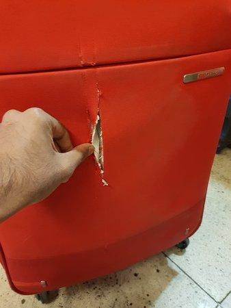 Pegasus Airlines: Bag damaged
