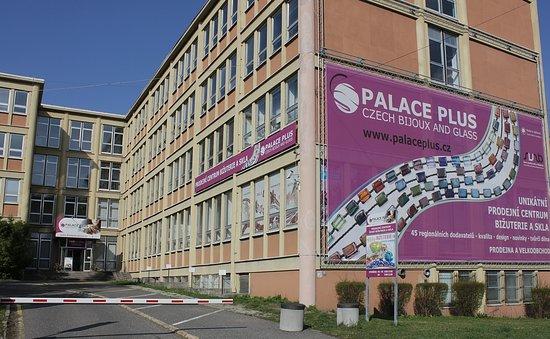 PALACE PLUS