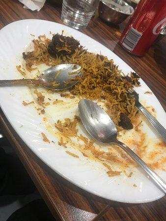 Shaahi Tandoori: Terrible food