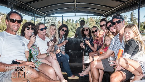 Hog Hollow Horse Trails: Festive atmosphere on our horse drawn wine tasting carriage - a fun activity for the whole family!