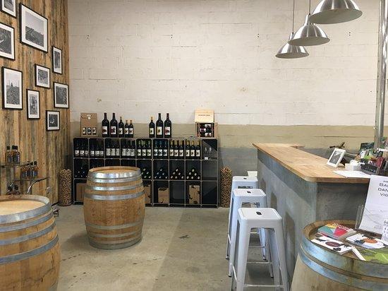 Le Fossat, France: Wine bar
