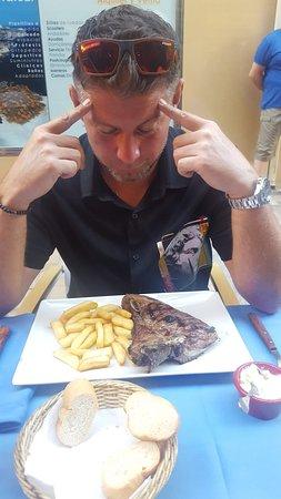Restaurante - Marisqueria Cordoba: meditation before dinner :)