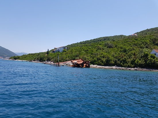 Speedboat Tour: Herceg Novi - Mamula - Blue Cave - Submarine Tunnels ( 1h 10m ) Fotografie