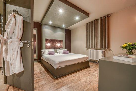 La Maison Rouge Hotel Barberaz Tarifs 2021 Mis A Jour 359 Avis Et 224 Photos Tripadvisor