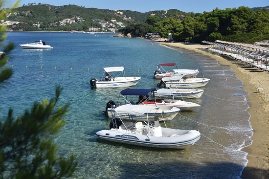Vromolimnos watersports and boat rental