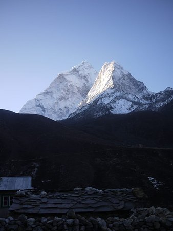 Eve Holidays: Everest trek