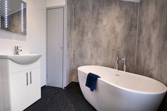 Freestanding bath in our 1 bedroom Select+ lodge