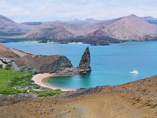 Isla Bartolome