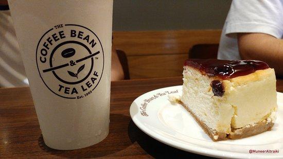 The Coffee Bean Tea Leaf Blueberry Cheese Cake Picture Of The Coffee Bean Tea Leaf Makati Tripadvisor