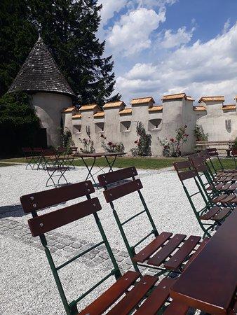Admont, Austria: Outside seating area