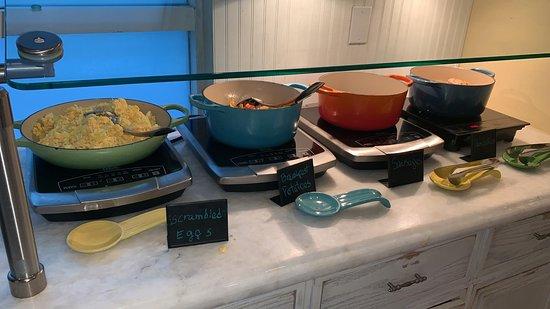Warme Speisen Zum Fruhstuck Picture Of Jules Kitchen