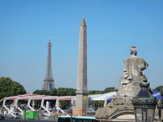Viking Hild: Paris Eiffel and Obelisk