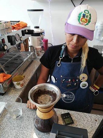 San Borja, Peru: Espectacular Chemex.. cafe de tasza de exlencia 87.5 . notas: frutos secos, miel, arandanos,
