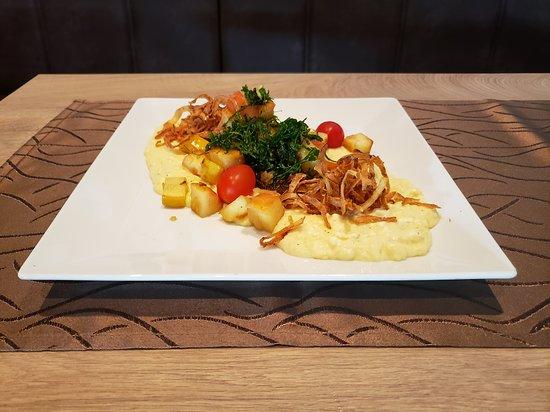 Restaurant Hof von Holland: KalbsleberApfel-Zwiebel RagoutKartoffelstampf