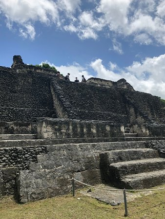 Bocawina Rainforest Lodge & Adventures: A visit to the Mayan ruins!