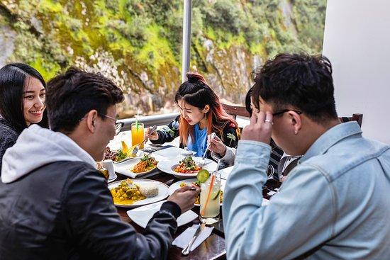 Nada mejor que compartir un buen almuerzo en una zona de paz y tranquilidad al contacto con la naturaleza.