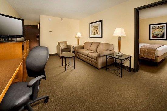Drury Inn & Suites Springfield: suite