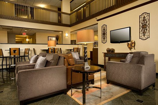Drury Inn & Suites Springfield: lobby