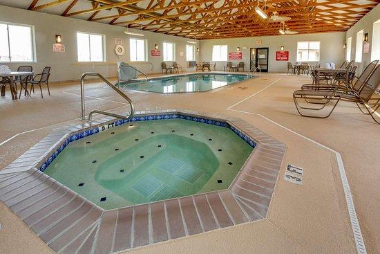 Hayti, MO: pool