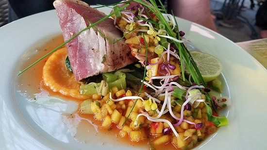 Cuba Compagnie: Fresh tuna steak