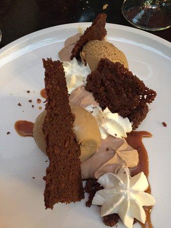 Montaren-et-Saint-Médiers, France : l'un des dessers   café liégeois revisité