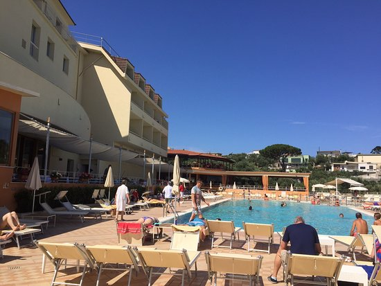 Grand Hotel Vesuvio Photo