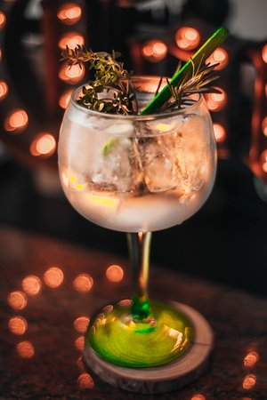 The One: Gin Tonic
