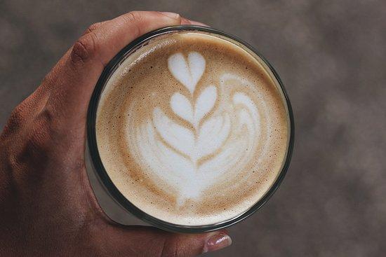 Hosana Café: flat white. kava latte art