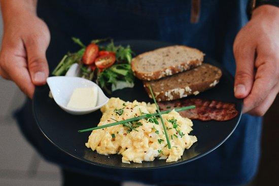 Varnsdorf, República Checa: michana vajicka. scrambled eggs with bacon.