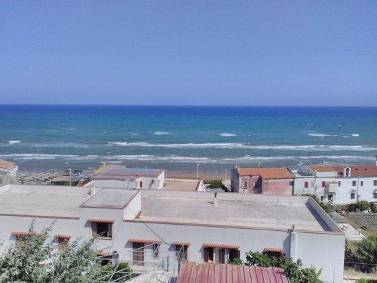 San Menaio, il mare visto dal balcone