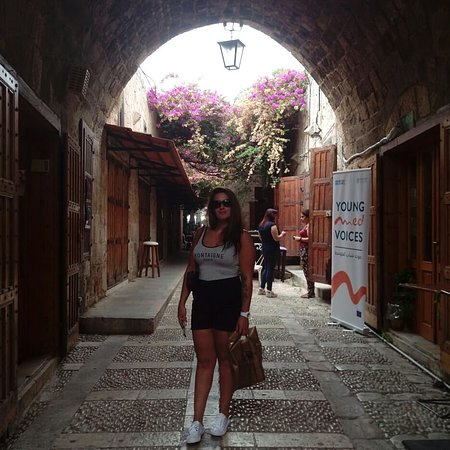 Li Băng: fantastic day starting in parasailing in the sea of jounieh city then to lady of Lebanon after it we continue our way to Byblos city we walked into old soup of Byblos and visit the fish fossil museum with amazing sonia