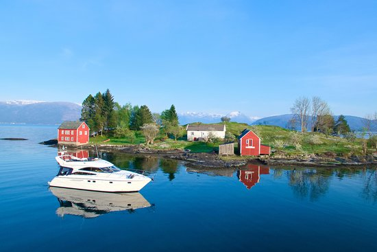 See the Fjords - Private yacht Fjord Cruise from Bergen