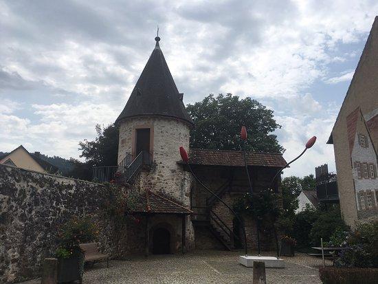 Hirschturm mit Denkmal