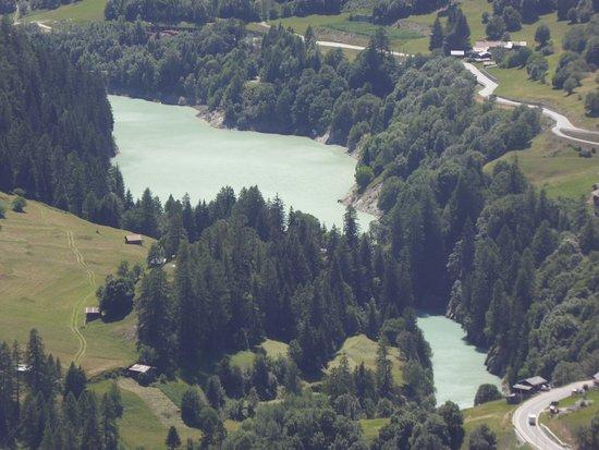 Wiler, Швейцария: Toller Blick auf den Stausee.