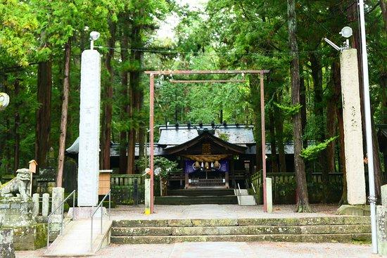 Ono Shrine: 小野神社の社殿。実に良い雰囲気の中にあります。