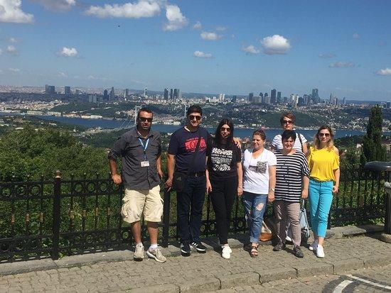 Istanbul Tours by Cezmi Akar: istanbul camlica hill happy customer