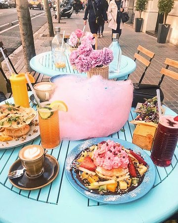 Brunch in all colours of the rainbow