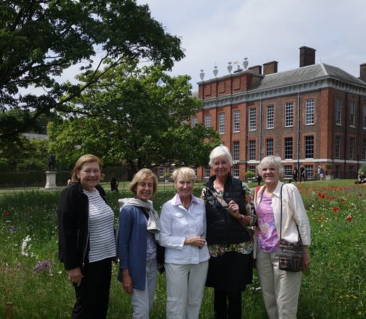 Secret Gardens Tour of London with Afternoon Tea: Visiting the gardens at Kensington Palace.
