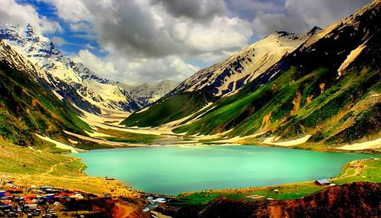 Balakot, Pakistán: Saiful Muluk is a mountainous lake located at the northern end of the Kaghan Valley, near the town of Naran in the Saiful Muluk National Park. The lake is a source of the Kunhar river. At an elevation of 3,224 m above sea level, the lake is located above the tree line, and is one of the highest lakes in Pakistan.   . Domestic and International tourist  come to visit this place, because of the mountains, dales, lakes, water-falls, streams and glaciers which are in an unspoiled paradise.