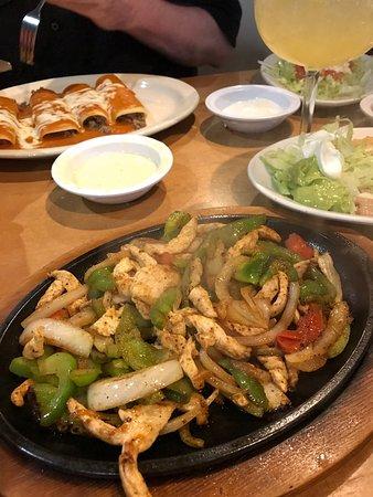 Oakland, TN: Chicken fajitas and Beef enchiladas