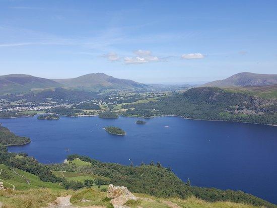 Lake District nella regione della Cumbria: Derwent Water (450mt)