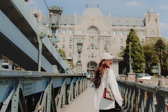 1, 2, 4 Hour Private Vacation Photography Session with Photographer in Budapest