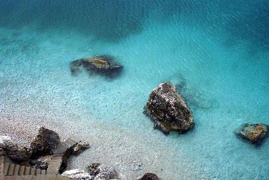 Visita las playas de Vlore y Himare...
