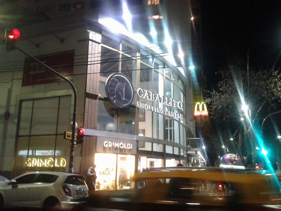 ‪Caballito Shopping Center‬