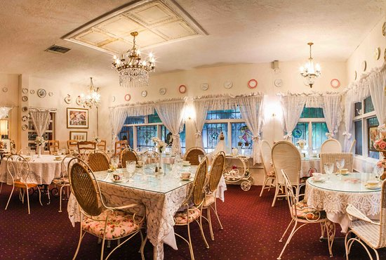 The Tea Room at Cauley Square : The Wicker Room.