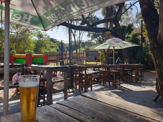 Safari Pub & Grill: Safari Pub and Grill