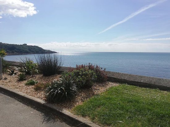 Falmouth, UK: This was our  scenic route walk to Pendennis Castle